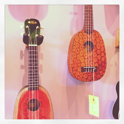 Singapore Lifestyle Blog, nadnut, Ukulele Movement, Ukulele, Uke, Music, Makala Dolphin, Makala Colours