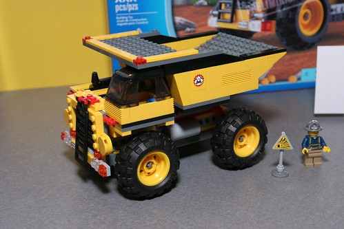 LEGO Toy Fair 2012 - City - 4202 Mining Truck - 2