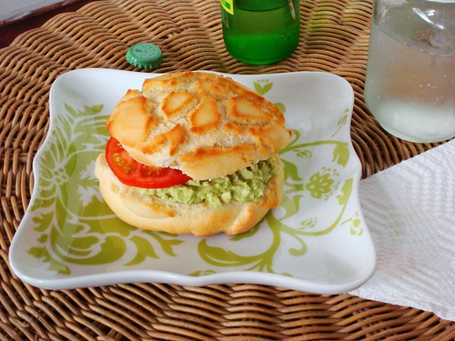 Avocado Cream Cheese Sandwich