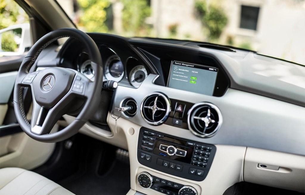 Mercedes Benz GLK interior