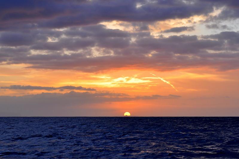 na'pali sunset horiz.