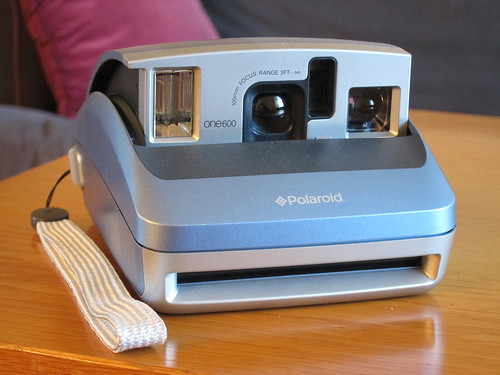 Polaroid One600