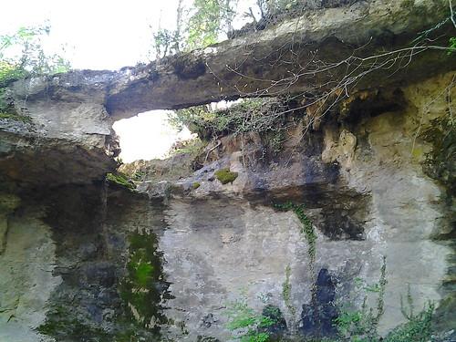 Pont de roca sota ca l'Escanyolit