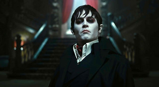 johnny-depp-as-barnabas-collins-in-dark-shadowsCAVRKCAJ