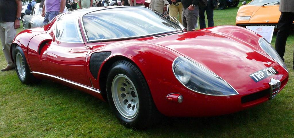 Alfa Romeo Tipo 33 Stradale 1968 red vr