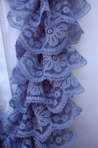 Close Up of the Ruffled Scarf