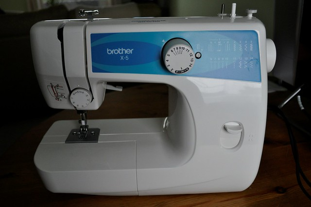 2012-06-17 Sewing machine