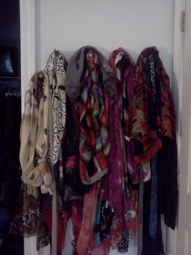 Really neat scarf organizer! (1/2)