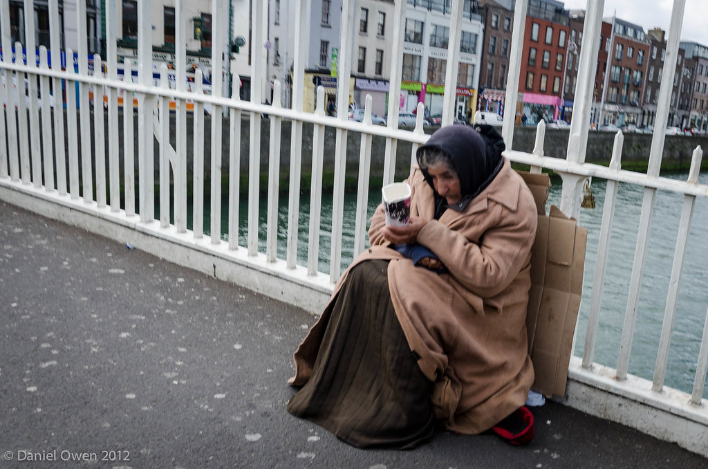 Ha'penny Bridge Beggar lady :-(