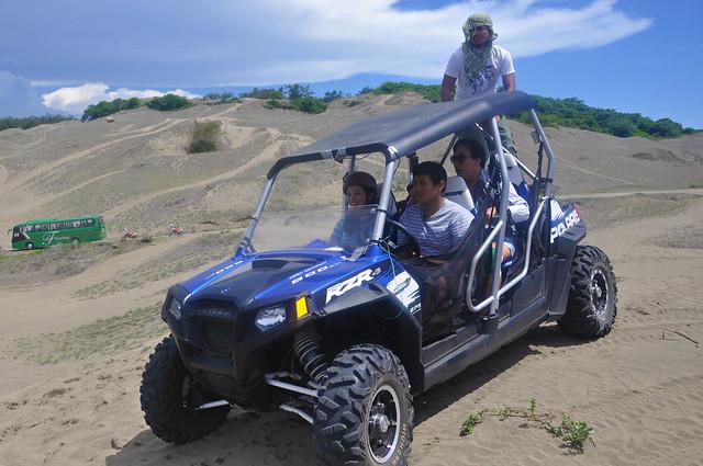 Kris Aquino tries offroading at the Laoag La Paz Sand Dunes