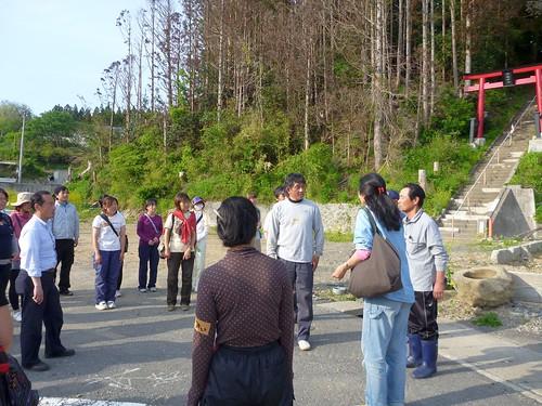 南三陸町で瓦礫片付けボランティア (ボランティアチーム援人) Volunteer at Minamisanrikucho, Miyagi pref., Affrected by the Tsunami of Japan Earthquake
