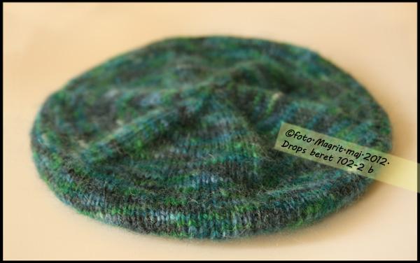 Drops beret in moher - flat