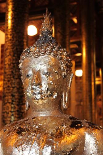 20120123_2478_Wat-Chedi-Luang-Buddha