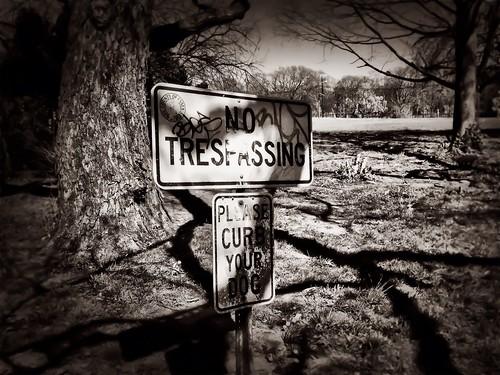 No Trespassing by damn_que_mala