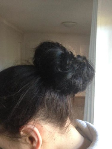 Blogger sock bun sock bun DIY bloggers sock buns