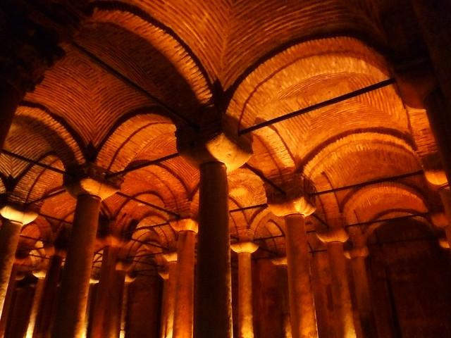 Istanbul - avril 2012 - jour 5 - 017 - Citerne basilique (Yerebatan Sarnıcı)