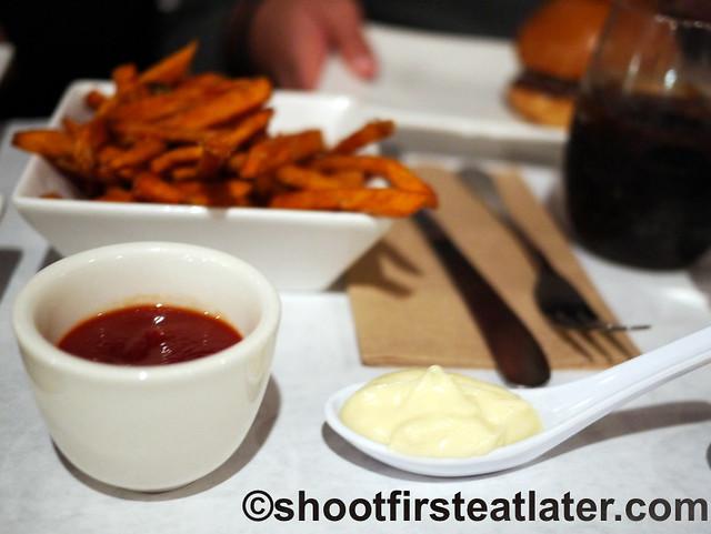 Umami Burger- umami ketchup & roasted garlic aoili