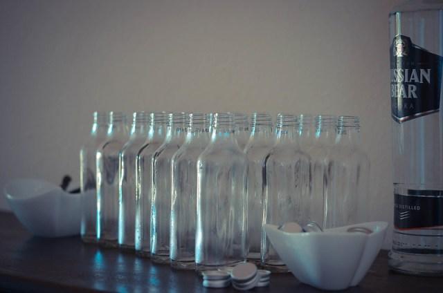2012-05-20 Gina makes vanilla essence