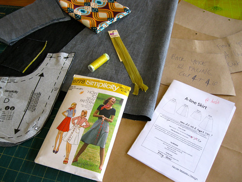 You Sew Girl A-line skirt with vintage (1975) Simplicity pockets