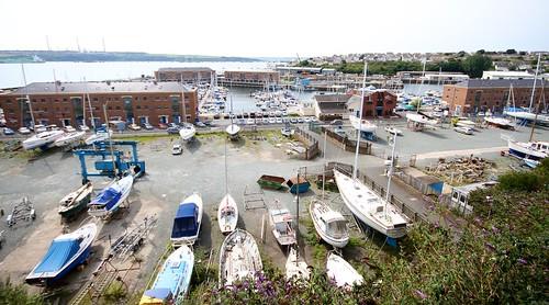 Marinaen har verksted for båt reperasjoner