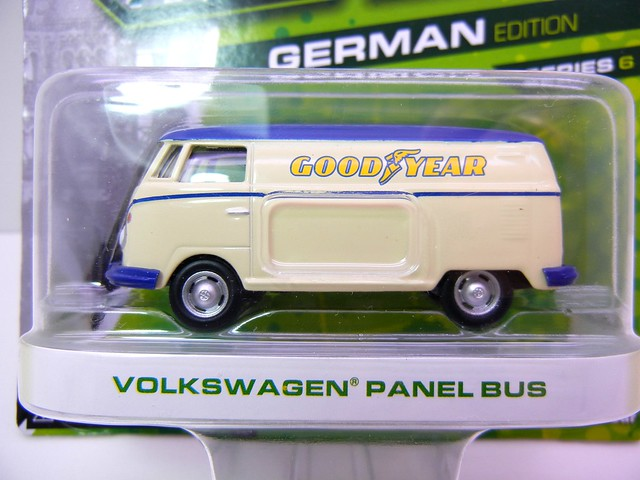 greenlight motor world volkswagen panel bus goodyear  (2)