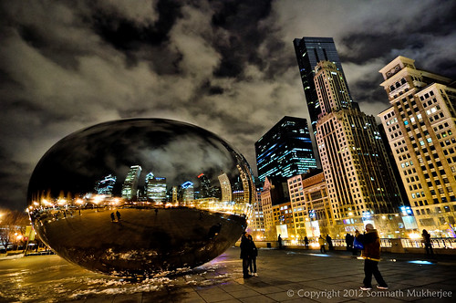 The Bean again. A different view of it showing the reflection of the high-rises by Somnath Mukherjee Photoghaphy