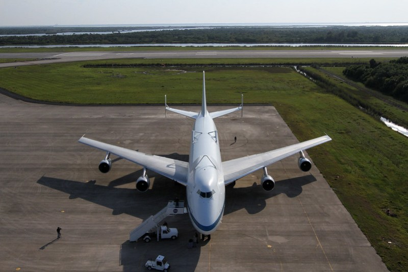 Shuttle Carrier Aircraft Arrives at Kennedy Space Center (KSC-2012-2004)