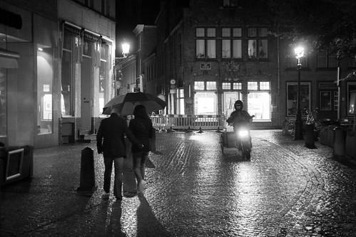 Comme un phare dans la nuit (Bruges, Belgique) - Photo : Gilderic
