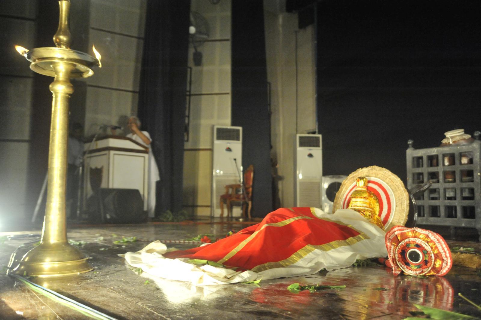 Bali goes to heavenly abode - ritualistic end;  Margi Madhu : Koodiyattam - Bali Vadham