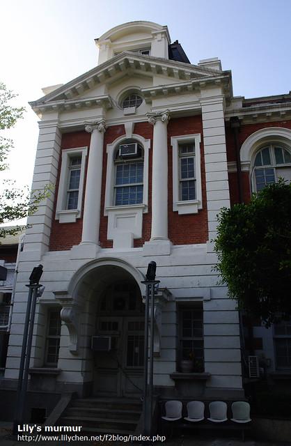 這個是舊市政府旁邊的建築,但是不是市役所。市役所忘記拍啦,請看延伸閱讀有很不錯的照片可以參考!