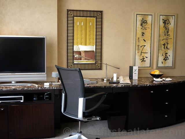 Intercontinental Hong Kong guestroom-001
