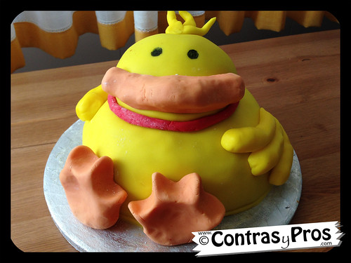 Tarta pato (Debbie Brown cute chick cake)