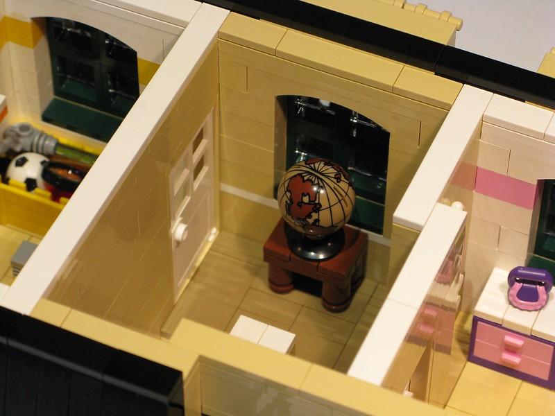 Tan Townhouse - Top Floor