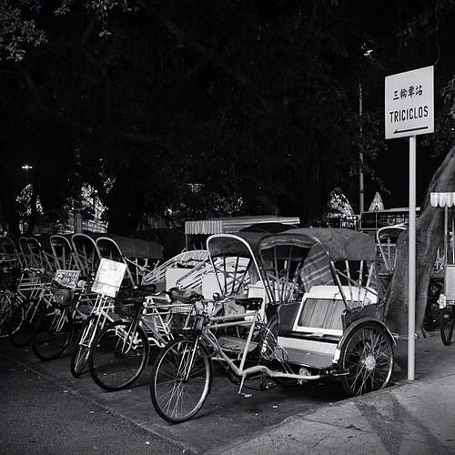 Triciclo de Macau (via @airasiaph) #Macau #Travel #blackandwhite
