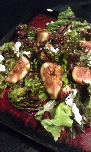 Fig, goat cheese and pecan salad w/honey dijon vinaigrette by pipsyq