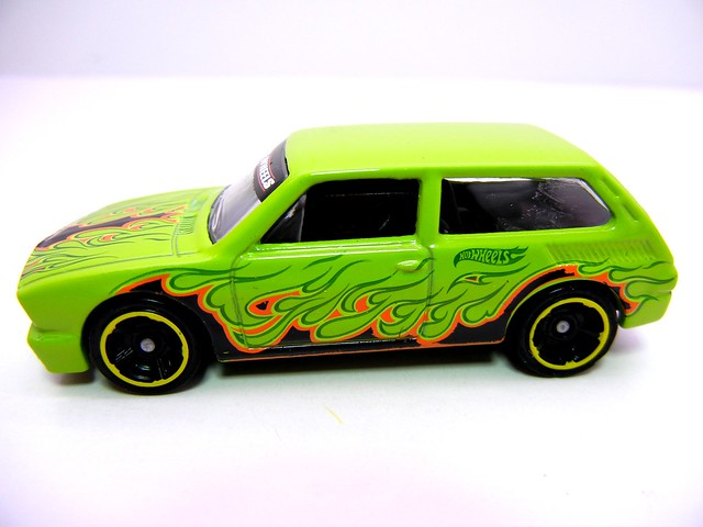 hot wheels volkswagen brasilia green (3)