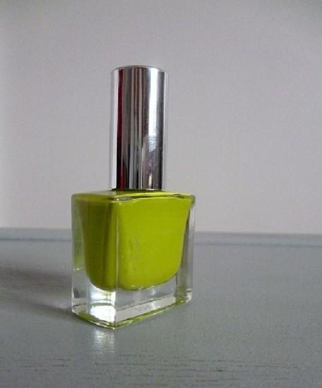 grüner Nagellack