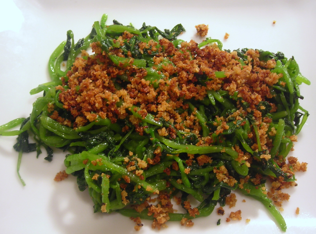 Watercress with fried breadcrumbs