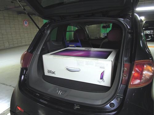"iMac 27"" in Subaru R1"