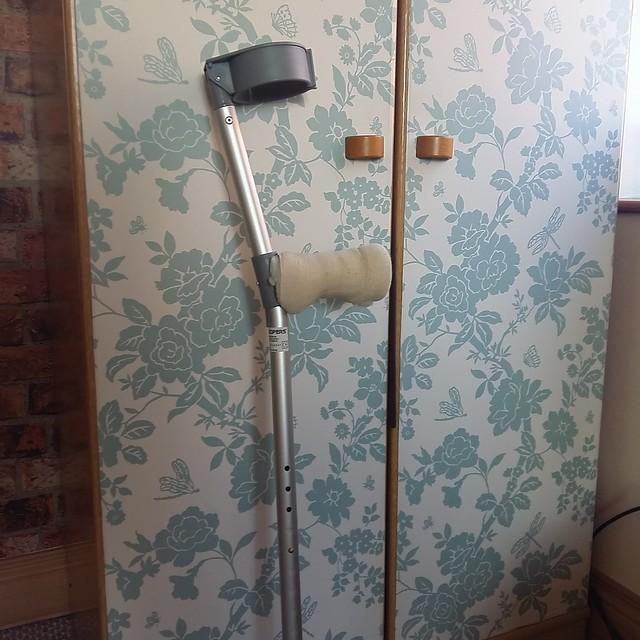 Crutches ..... again!