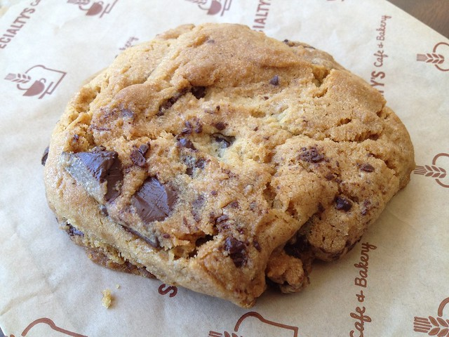 Semi-sweet chocolate chunk cookie - Specialty's Cafe & Bakery