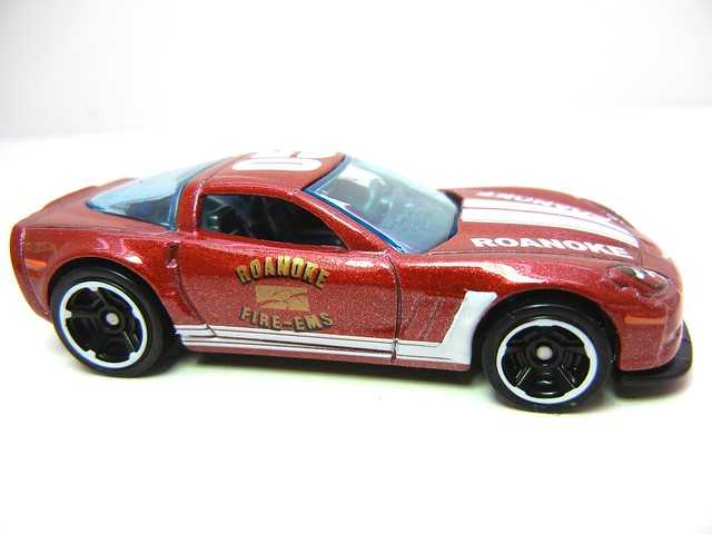 hot wheels '11 corvette grand sport burgundy (4)