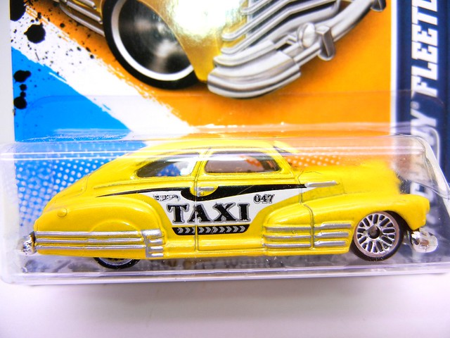 hot wheels '47  chevy fleetline taxi  (2)
