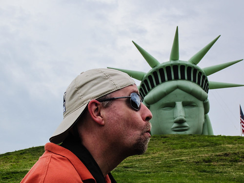 Kissing Lady Liberty - Happy 4th of July!