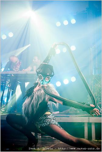 Cannonman (Lulu Rafano), Uri Gaga (Uri Gincel) & Clea Cutthroat / Bonaparte