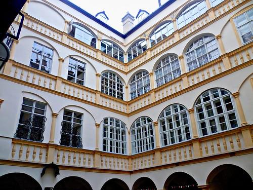 Wien, 1. Bezirk (el arte de las fachadas de Viena) - Bäckerstraße (Renaissancewohnhaus)