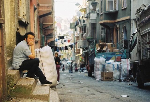 Tarlabaşı by Huseyin Ozdes