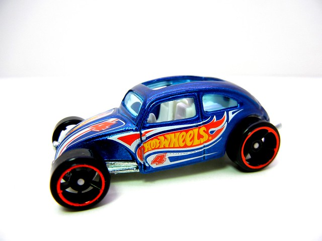 hot wheels custom volkswagen beetle blue (2)