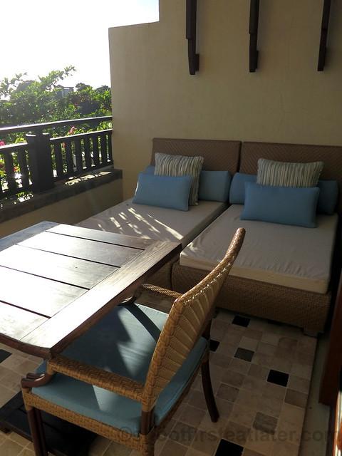 Shangri-La's Boracay Resort & Spa- deluxe seaview room-003