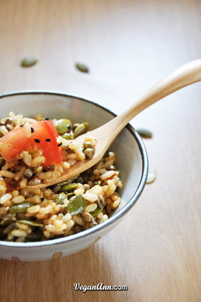 tomato brown rice salad with hemp seeds1